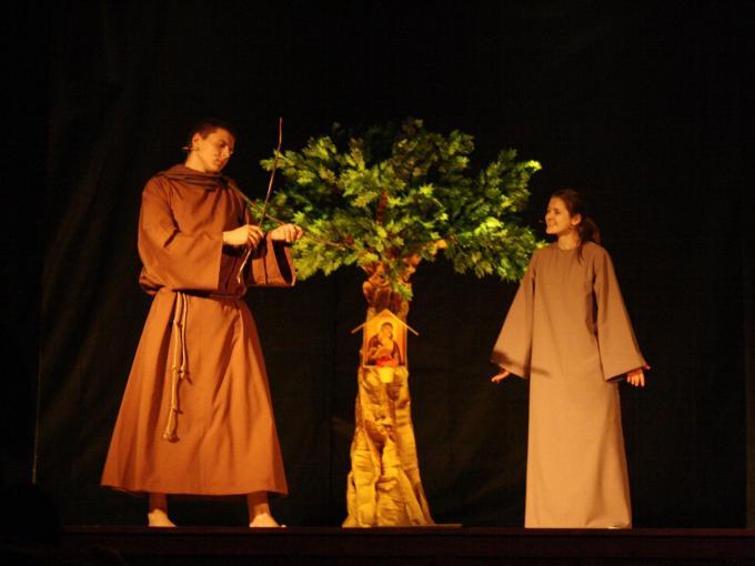 """Muzikiniai projektai. Jaunimo miuziklas """"Klara – šviesa, apšvietusi pasaulį"""""""